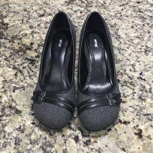 Apt 9 gray tweed wedge heels